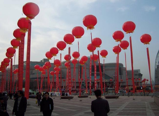 大型庆典活动中使用空飘气球的注意事项