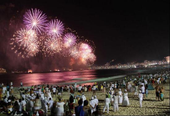 外国的跨年庆典活动,巴西有人被抢劫,