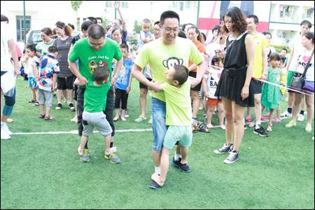 适合儿童节活动上玩的亲子互动小游戏