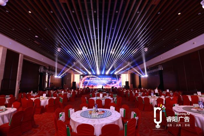 不同的舞台场景,需要不同的灯光设计!
